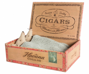 Maileg Mice Mum & Dad in Cigarbox